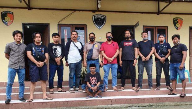 Seorang lelaki bernama Lamaddanreng alias Asdar (19) ditangkap anggota Polsek Dua Pitue dibackup Satreskrim Polres Sidrap, Senin, 7 September 2020.