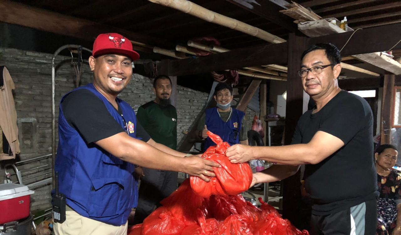 Karang Taruna Sidrap Serahkan Bantuan ke Korban Bencana di Sulbar